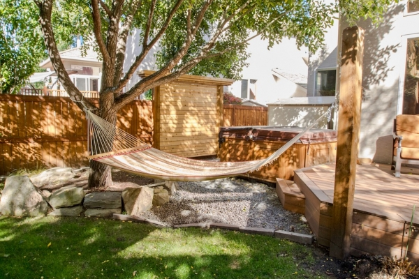 Cedar Privacy Screen Hottub Hammock