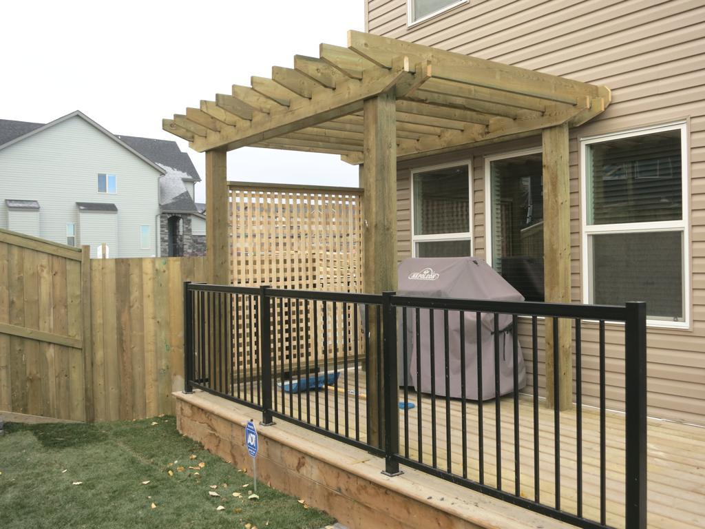 deck construction calgary