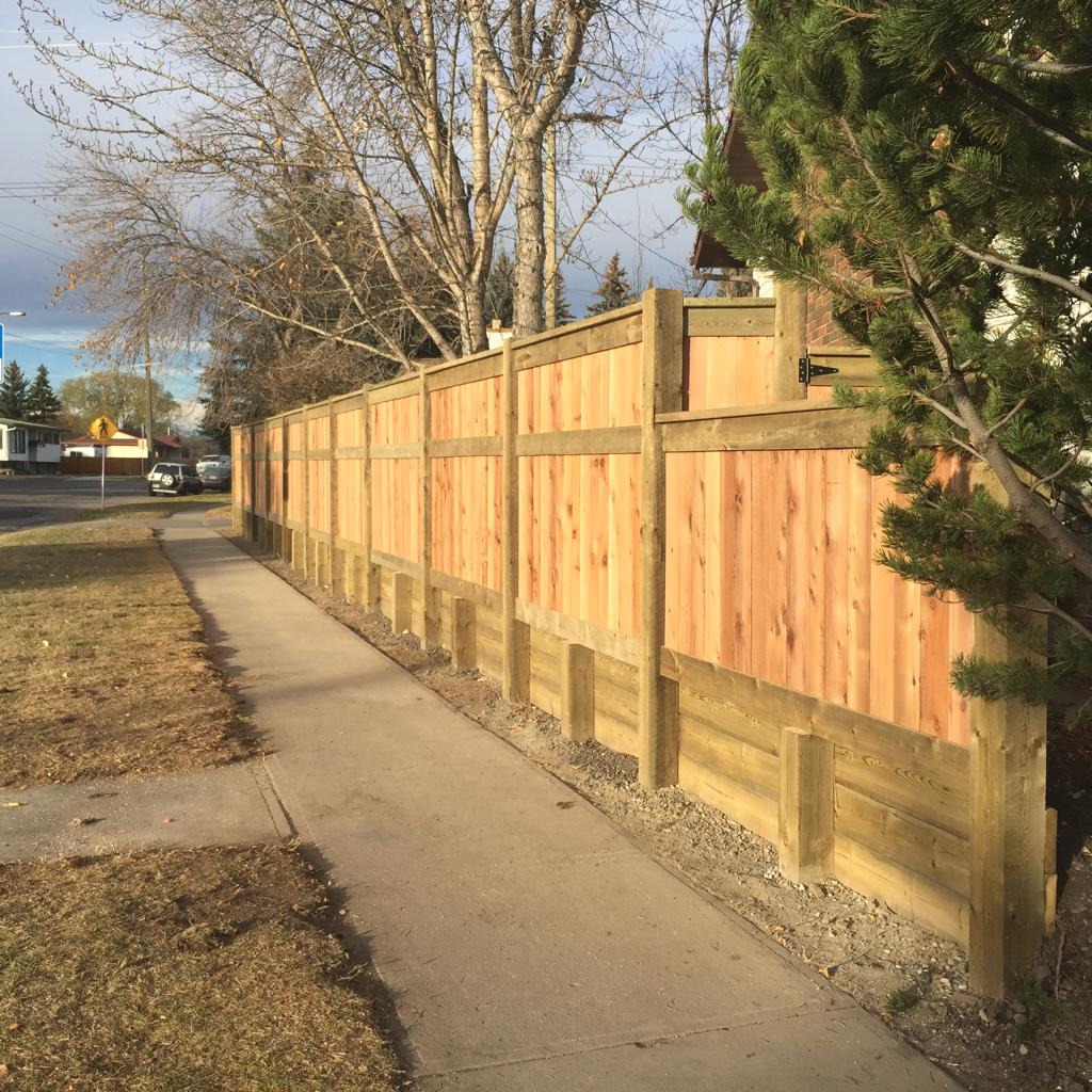 Fence & Gate Construction Calgary - Landscaping Company | Assiniboine