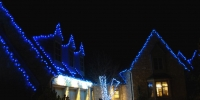 C6-led-blue-on-house-and-c6-icy-white-on-bush