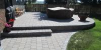 Varsity-Roman-Euro-patio-roman-pisa-retaining-wall-and-step