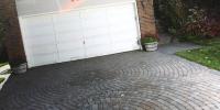 Driveway - rustic cobble circle pattern