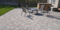 patio - Roman Euro Paving Stone Patio in Rustic with Charcoal Border