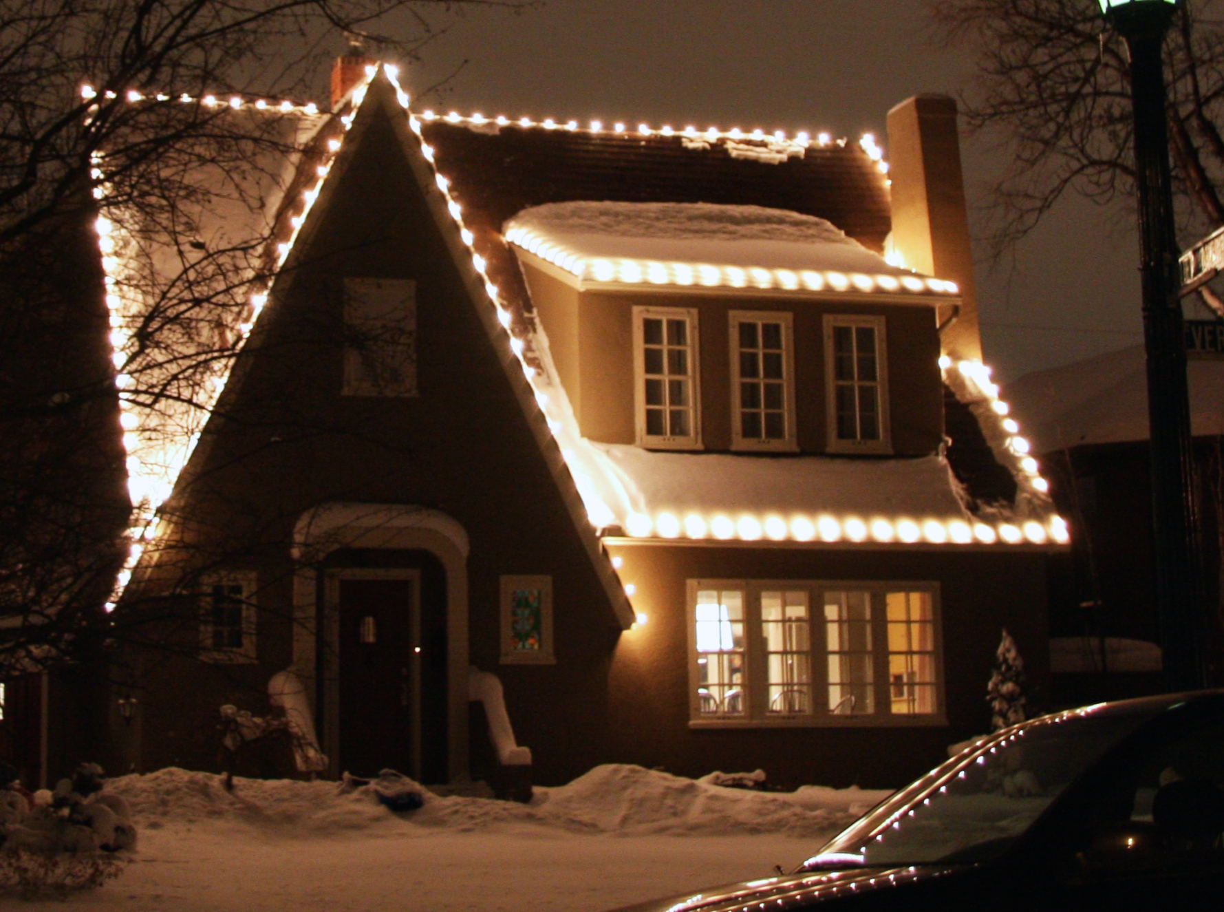 img_7842 traditional clear incandescent lights - Christmas Light Installation Prices